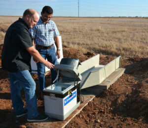 edge-of-field automatic water sampler